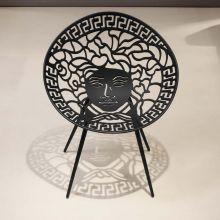 Stuhl Mesedia in vier Farben